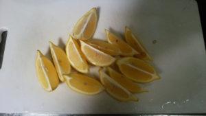 カットしたレモン