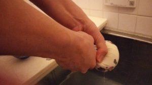 手作り豆乳ローションを風呂に入れる2