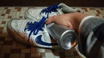 靴の奥の方までAg+を噴霧